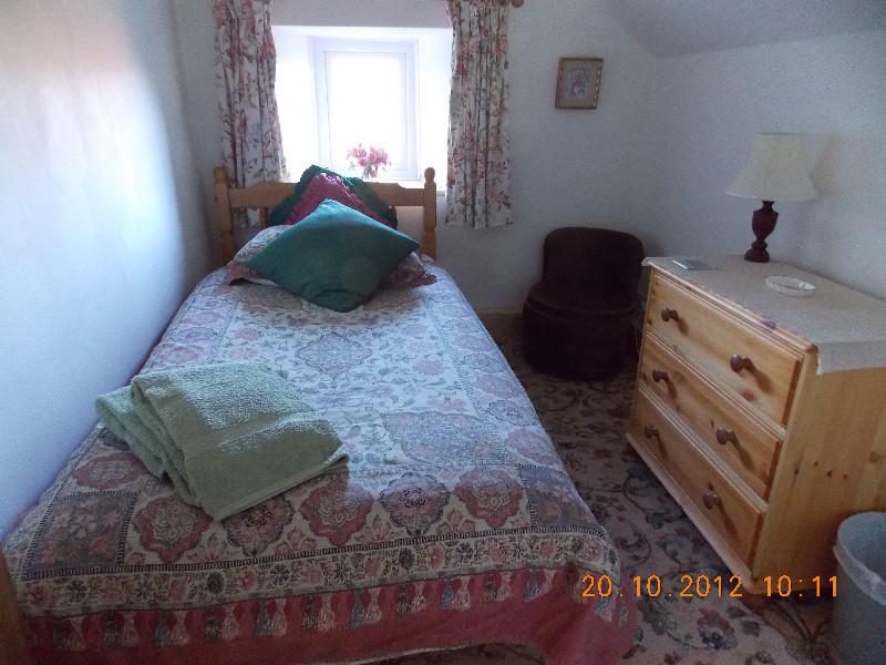 tredinney-farm-cottage-3