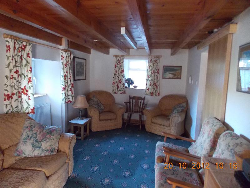 tredinney-farm-cottage-6