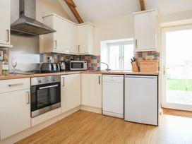 Skykes-photo-Bowji-kitchen